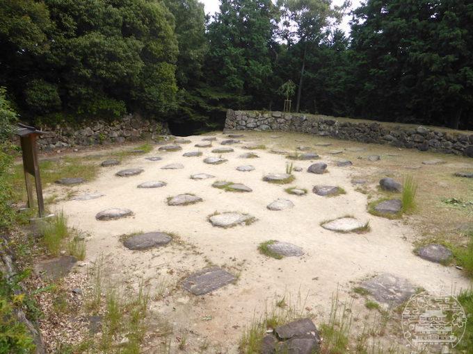 安土城 天主台の礎石群